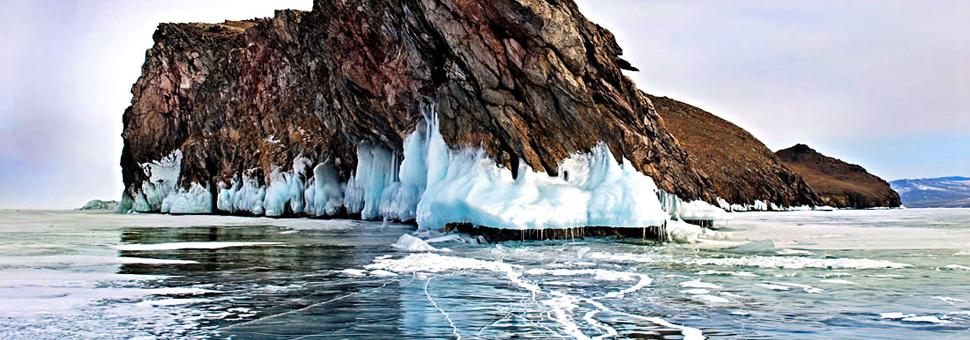 Ледяные озераПри температуре, не превышающей 5 градусов выше ноля спят озера, полные воды времен Ледникового периода